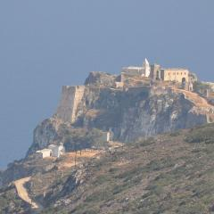 The Castle of Chora, Kythera; Image by Soviof (Own work) [CC BY 3.0], via Wikimedia Commons