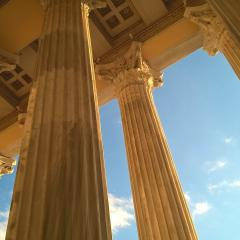 ancient Greek architecture, columns; Image via Pixabay, CC0 Public Domain