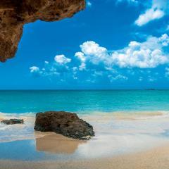 Crete, coast, ocean; Image via Pixabay, CC0 Public Domain