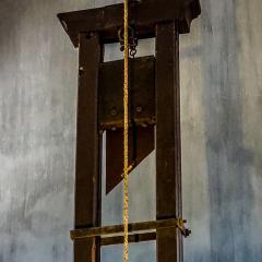 guillotine; Image via Pixabay, CC0 Public Domain