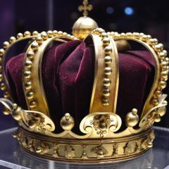 crown; Image via Pixabay, CC0 Public Domain