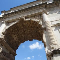 Roman Forum Triumphal Arch; Image via Pixabay, CC0 Public Domain