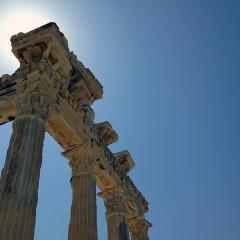 temple of Apollo, columns; Image via Pixabay, CC0 Public Domain