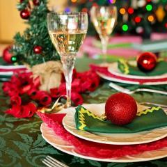 Christmas table setting; Image via Pixabay, CC0 Public Domain